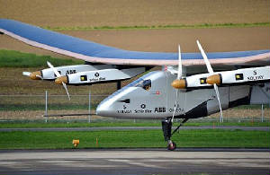 Solar_Impulse_SI2_pilote_Bertrand_Piccard_Payerne_November_2014.jpeg