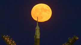 nasa-billingalls-supermoon-5a2195fefc7e93c5288b4567.jpg